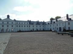 045 chateau de la verrerie.JPG